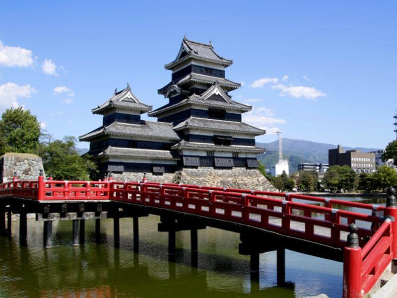 国宝松本城 6月1日より段階的に再開予定!